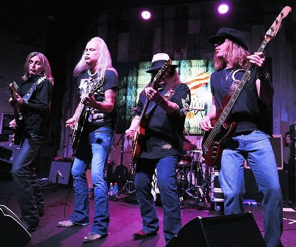 Lynyrd Skynyrd at Sunlight Supply Amphitheater