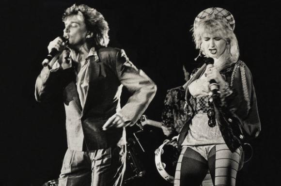 Rod Stewart & Cyndi Lauper at Sunlight Supply Amphitheater